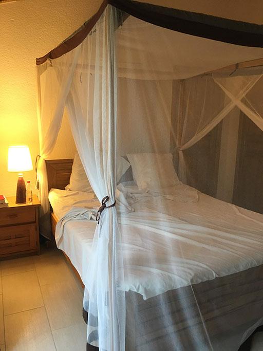 lit avec moustiquaire - villa saly