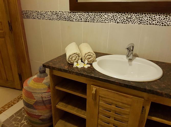 Chambre 3 - salle de bain avec serviettes
